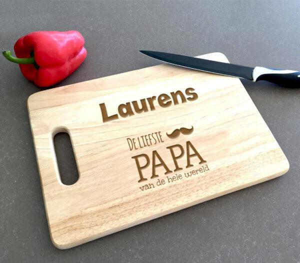 Origineel cadeau vaderdag - vaderdagscadeau - snijplank graveren met naam vaderdag