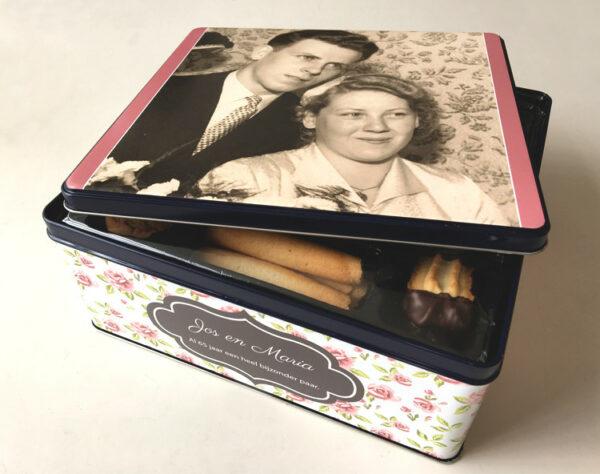 Gepersonaliseerde koekendoos met foto - origineel geschenk koekjesdoos met foto of tekst_Thema Roosjes