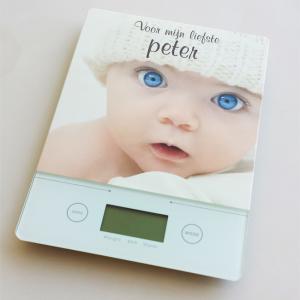 Keukenweegschaal met foto als origineel kraamcadeau - cadeau meter - cadeau peter