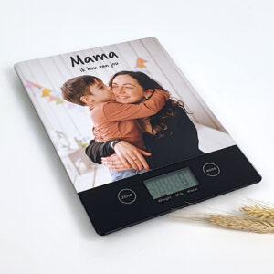 Keukenweegschaal met foto als origineel cadeau voor moederdag